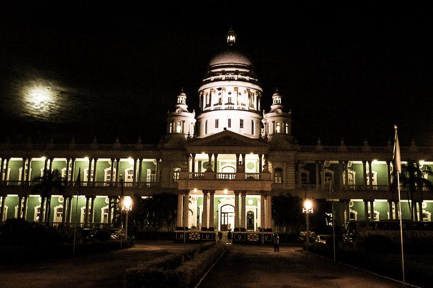 Lalita Palace vu de nuit