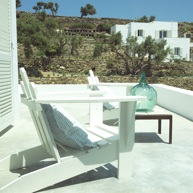 suite-kamaroti-terrasse-sifnos