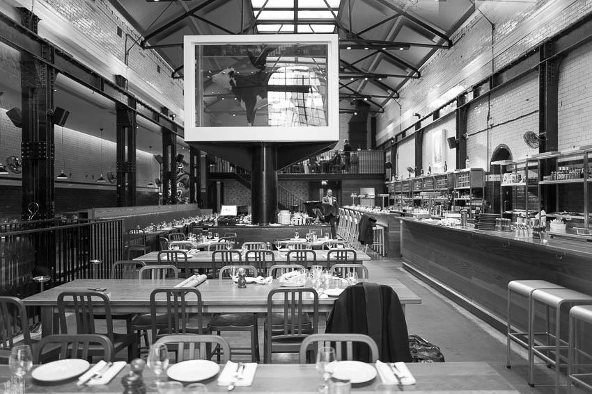 La vache de Damien Hirst chez Tramshed by Mark Hix