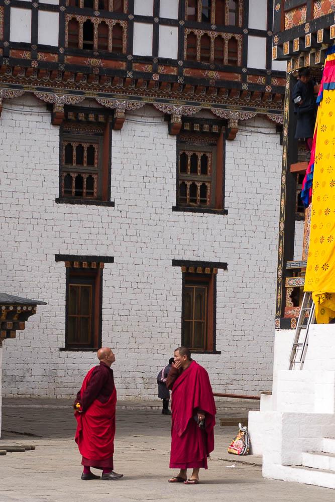 Conversations de moines, Tashichho Dzong